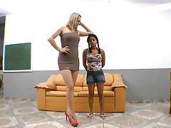 Brésilienne, Femme dominatrice, Fétichisme des pieds