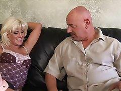 Femme dominatrice, Fétichisme des pieds, Gode ceinture