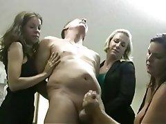 Femme dominatrice, Branlette