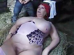 Anal seks, Büyük güzel kadın, Büyük göğüsler, Eski ve genç