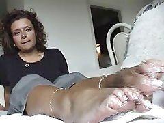 Amatriçe, Fétichisme des pieds, Masturber, À la première personne