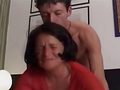 Anal seks, Sert seks, Eski ve genç