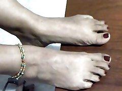 Agé, Fétichisme des pieds