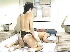 Femme dominatrice, Gode ceinture, Millésime